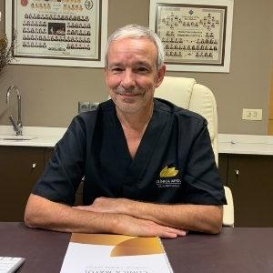 Dr. Albert Amaya